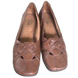 EUC Lifestride Brown Flats